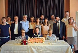 La centenaria Antonia Zenere di Caldogno con i nipoti