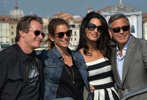 Da sinistra Rande Gerber e Cindy Crawford, amici dello sposo, George Clooney lo sposo e Amal Alamuddin, la sposa.