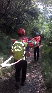 Il soccorso Alpino interviene a Malcesine per prelevare un turista in difficoltà