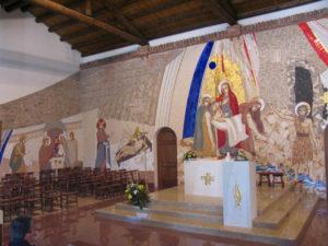 L'altare e il mosaico del Santuario di Scaldaferro di Pozzoleone