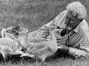 Konrad Lorenz, scienziato austriaco, premio Nobel, fondatore della moderna etologia scientifica. Chissà cosa avrebbe detto del caso dell'orsa Daniza.