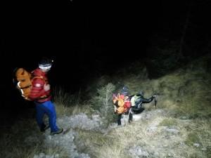 Il Soccorso Alpino al lavoro sulle Dolomiti bellunesi alla ricerca di un escursionista bloccato dal ghiaccio.