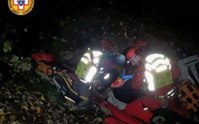 A Maren salvato dal canale in mezzo al bosco ma in gravi condizioni