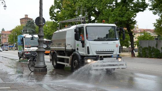 Un plauso ai Comuni che puliscono e disinfettano le strade (ma non sanificano)