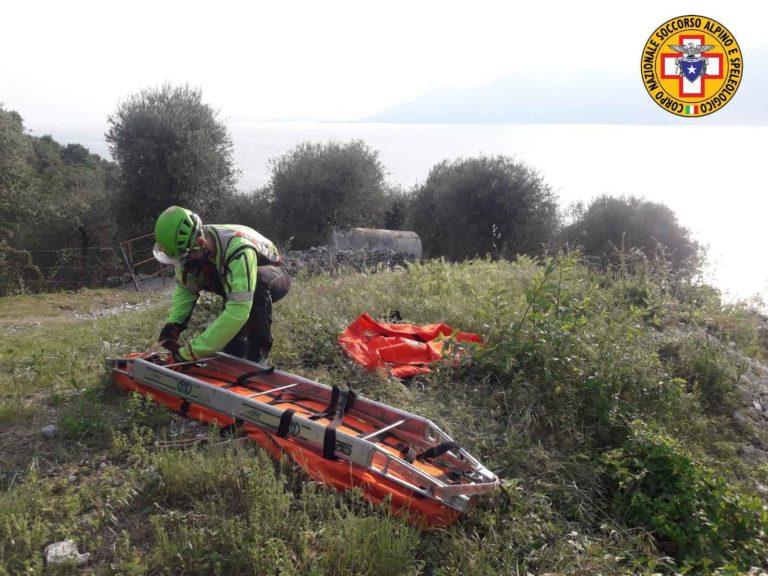 Il Soccorso Alpino interviene anche sui rilievi del Garda: recupero escursionista infortunato