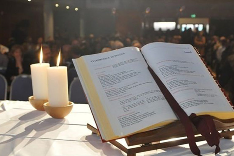 Il Governo si accorda con la CEI e la Camera dà il via libera alle Sante Messe dal 18 maggio