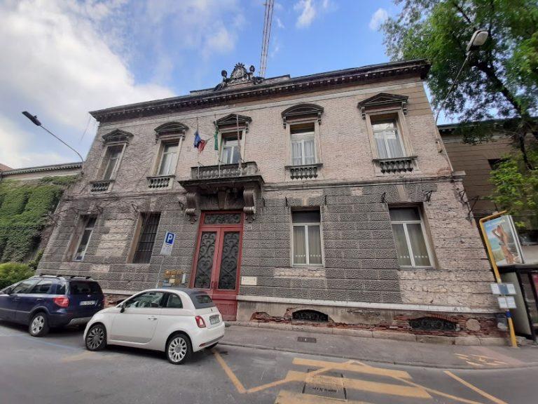 Pronto lo sfratto delle associazioni alla scuola Giusti di Vicenza [FOTO]