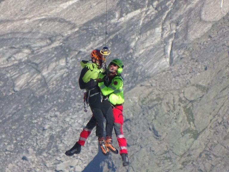 Muore a 68 anni cadendo dal sentiero sul monte Tavernazzo in Val Rosna