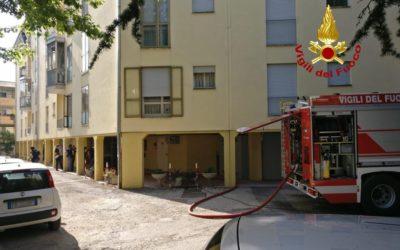 Incendio a Padova e donna intossicata