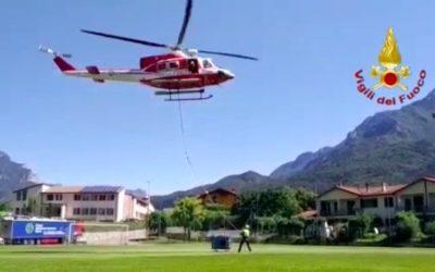 Un drago dei Vigili del Fuoco per portare un generatore al rifugio sul Monte Baldo [VIDEO]