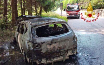 Auto a fuoco nel Bassanese: nessun ferito
