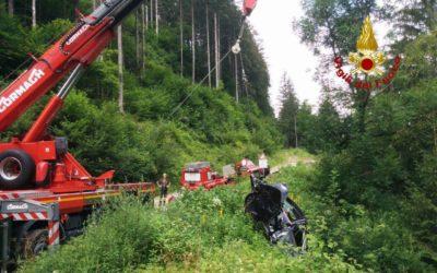 Muore a 29 anni cadendo con l'auto dal ponte sul torrente Boite a Cibiana di Cadore