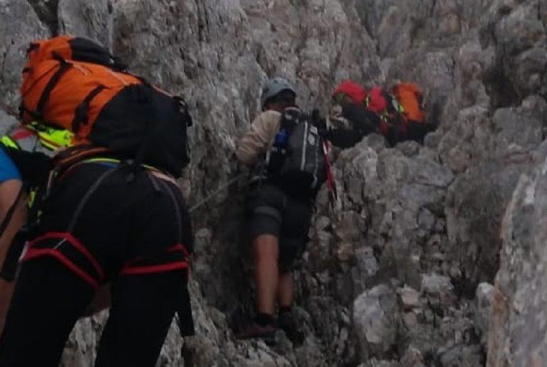 Il Soccorso alpino recupera in serata alpinisti sul Civetta