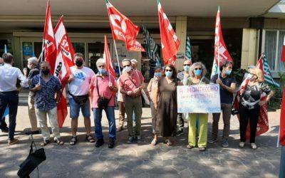 CGIL CISL UIL di Vicenza contro l'Ulss 7 Pedemontana per la privatizzazione dei servizi socio sanitari [VIDEO]