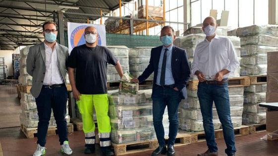 A Vicenza donati 38 bancali di cibo per cani e gatti