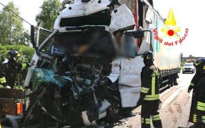 In A4 verso Trieste due tamponamenti: muore un autista di TIR, tre feriti [FOTO]