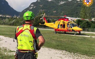 Sulle Dolomiti recuperi in parete e ad alta quota con l'elicottero