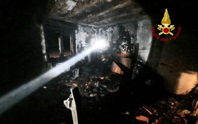 In fiamme gli uffici della Co.Im.Po, dove morirono 4 operai