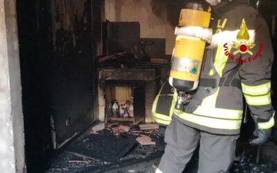 Esplosione in appartamento a Veronetta: due feriti e casa evacuata [VIDEO]