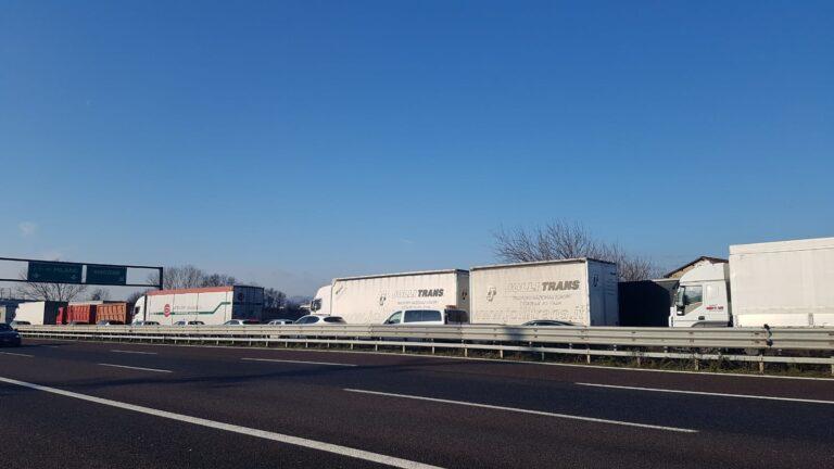 """Ore 10:50 – A4 """"bloccata"""" a Montecchio Maggiore verso Milano: incidente prima di Montebello"""