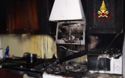 A Malo i pompieri salvano la vita a un 30enne intossicato nell'incendio di casa sua