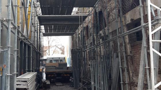 L'ex Macello rischia il crollo: lavori in corso per messa in sicurezza facciate