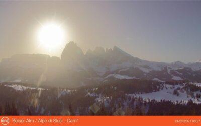 La sabbia del Sahara all'Alpe di Siusi offusca il panorama: si chiude l'inverno meteo