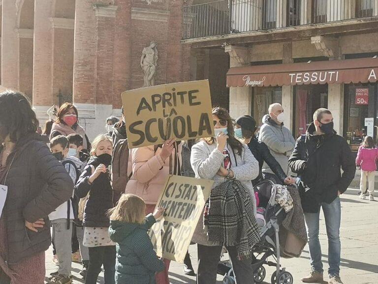 """Al TAR del Lazio """"smontata"""" la didattica a distanza: al Governo il compito di dimostrarne la necessità entro il 2 aprile"""