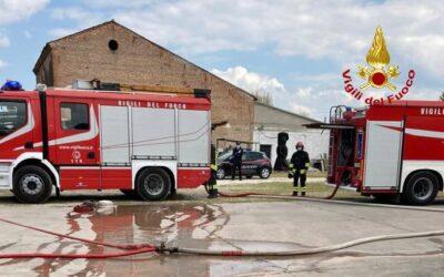 A Ponso arrostiti 4000 polli nell'incendio del capannone dell'allevamento