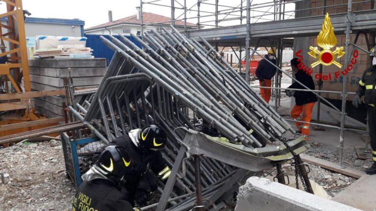 Morto sul lavoro un muratore di 23 anni ad un giorno dal 1° maggio: oggi un minuto di silenzio nei cantieri di tutta Italia!