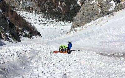 Scialpinista caduto per alcune decine di metri a forcella Antelao: grave