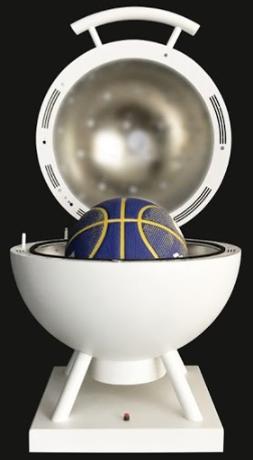 Covid e sport – I raggi UV bloccano il coronavirus sui palloni e sui manubri: basta un minuto