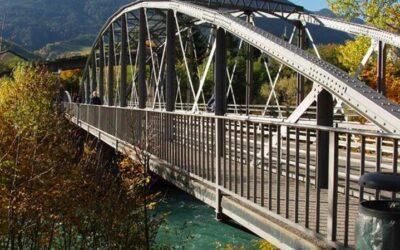 Sui fiumi Rienza e Isarco ora c'è un ponte storico: risale alla sistemazione idraulica dopo l'alluvione del 1882