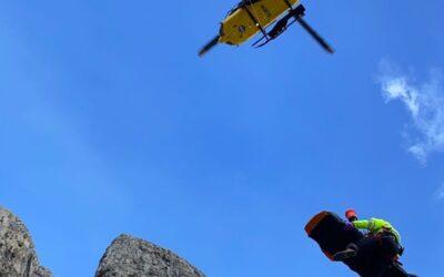 Alpinista tedesco precipita sotto la Torre Piccola di Falzarego: è grave