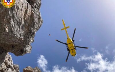Scivola dagli Sfornioi e cade per 150 metri: morta!