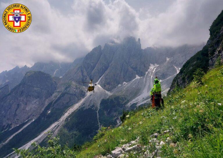 Donna infortunata sopra il passo Monte Croce Comelico