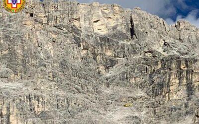 Le corde si incastrano e restano bloccati in parete sul Piccolo Lagazuoi