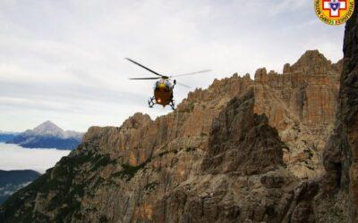 Cede un ancoraggio: alpinista muore sotto Cima Giaf